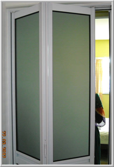 Bi-Fold Door & Bi Fold Doors Singapore | GrillesNGlass.com